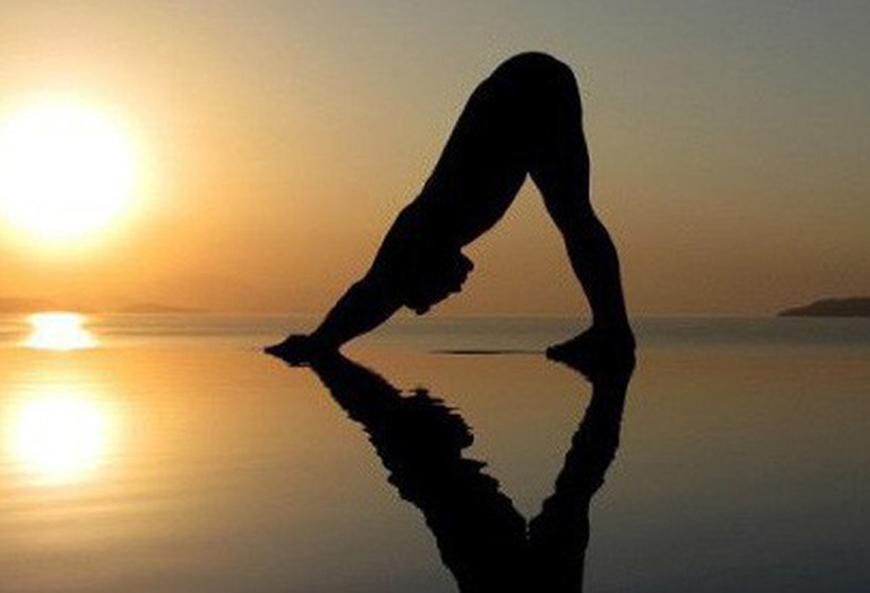 5 Lý do bạn không nên bỏ qua chuỗi Yoga Chào Mặt Trời mỗi ngày