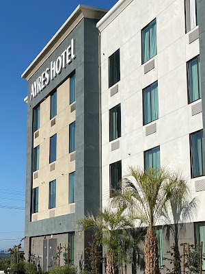exterior of Ayres Hotel Vista Carlsbad in Southern California