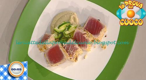 Tonno in crosta con hummus di ceci ricetta Piparo da Prova del Cuoco