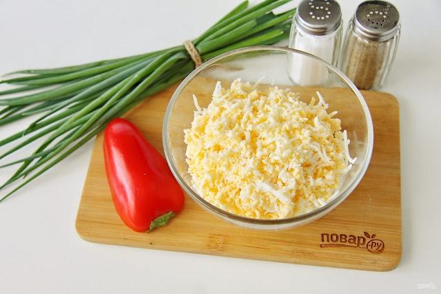 """что можно завернуть в сыр пластинками, как красиво подать колбасу и сыр к столу фото, салат каллы рецепт с фото,праздничные закуски из пластин сыра, праздничные закуски мз сыра с начинкой, салаты для женщин, салаты с цветами, как сделать каллв из сыра, что можно сделать из мыра, сырные закуски, сырные рулетики, необычные салаты, как сделать украшеня из сыра, украшение закусок и салатов, рулет из плавленного сыра с начинкой,каллы из сыра с начинкой рецепты с фото, каллы из сыра с начинкой закуска,""""Каллы"""" из сыра, закуска из сыра, закуска праздничная, 8 марта, украшение салатов, украшение из сыра, цветы из сыра, праздничный стол, рецепты на 8 марта, как сделать каллы из сыра, как сделать закуску каллы, приготовление цветов из сыра, сырные закуски, рецепты закусок """"Каллы"""", закуски на 8 марта, закуски в виде цветов, закуски на Новый год, закуски на День рождения, блюда на 8 марта, """"каллы"""" рецепт с фото, идеи приготовления закусок, рецепт с фото, аллы, цветы, закуска """"Каллы"""", салат """"Каллы"""", """"Каллы"""" из сыра, закуска из сыра, закуска праздничная, 8 марта, украшение салатов, украшение из сыра, цветы из сыра, праздничный стол, рецепты на 8 марта, блюда на 8 марта, http://prazdnichnymir.ru/ рецепт с фото,"""