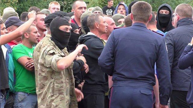 Опублікували відео сутички копачів бурштину і поліції в Рівненській області