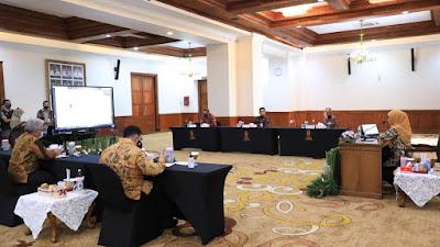 Gubernur Khofifah Apresiasi KADIN Jatim yang Membangun  Sinergitas Industri Dengan Pendidikan Vokasi  di Tengah Pandemi