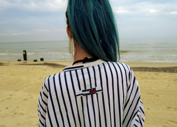 Blue Hair Fashion Blogger @ hayleyeszti