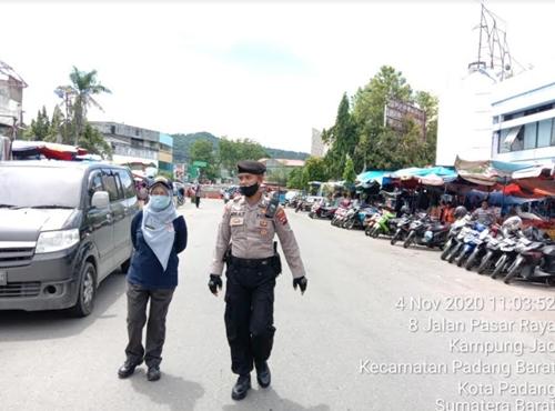 Dinas Perdagangan Tertibkan PKL di Pasar Raya
