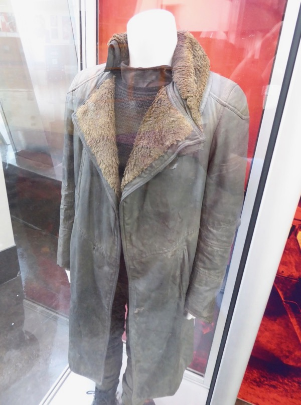 hollywood movie costumes and props  blade runner 2049 movie costumes on display    original film