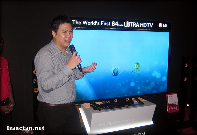 LG Representative walking us through the features, bells and whistles of their Ultra HDTV Smart TV