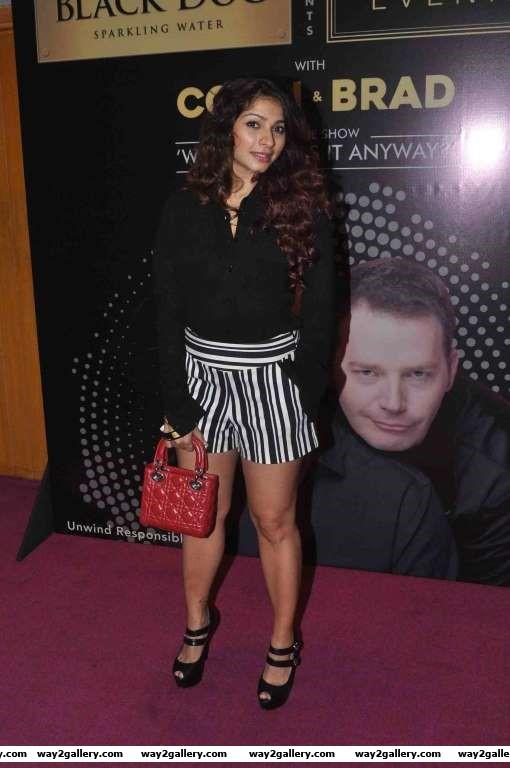 Tanishaa Mukerji descended at Colin  Brads Two Man Show play at NCPA