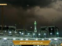 FOTO: Jamaah Towaf Diguyur Hujan Lagi