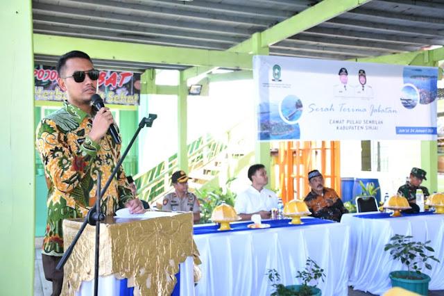 Hadiri Sertijab Camat Pulau Sembilan, Bupati Berpesan Berikan Pelayanan Maksimal Kepada Masyarakat