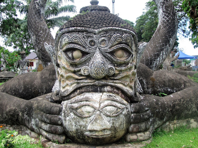 statue buddha park vientiane laos