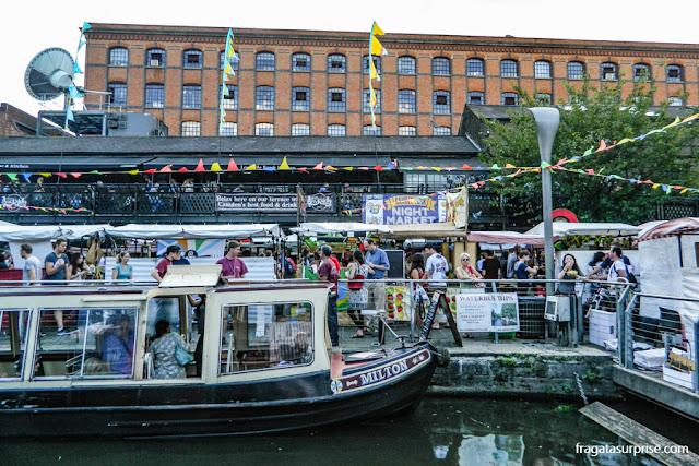 Chegada de barco a Camden Town, Londres