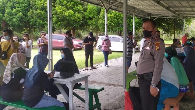 Polres Inhu Gelar Vaksinasi Covid-19 di Taman Rekreasi Belilas, Pengusaha Surianto: Ini membantu pemerintah untuk masyarakat