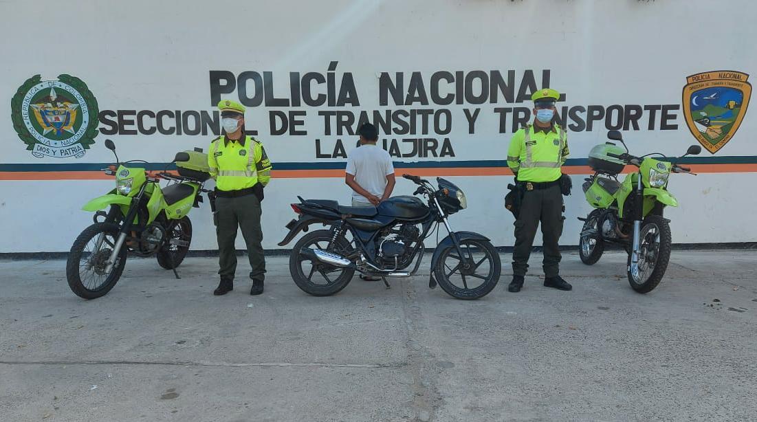 https://www.notasrosas.com/Seccional de Tránsito y Transporte construye seguridad, en vías de La Guajira