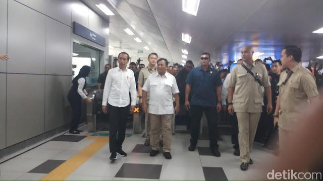 Jokowi dan Prabowo Berjalan Sekitar 500 Meter dari Stasiun ke Restoran Sate