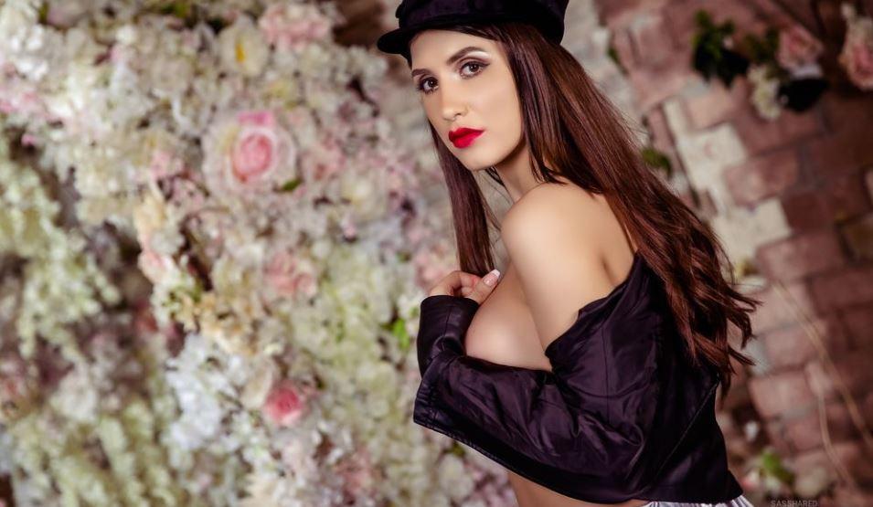 SasshaRed Model GlamourCams