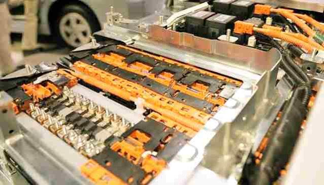 أنواع البطاريات في السيارات الكهربائية