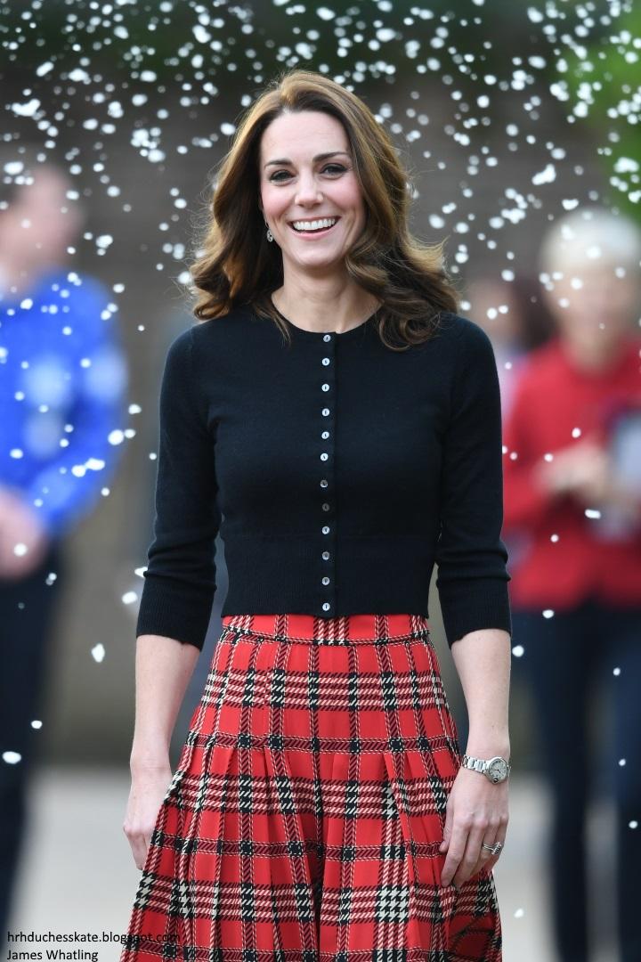 7e7770125 Duchess Kate: Kate in Festive Ensemble for RAF Christmas Party: