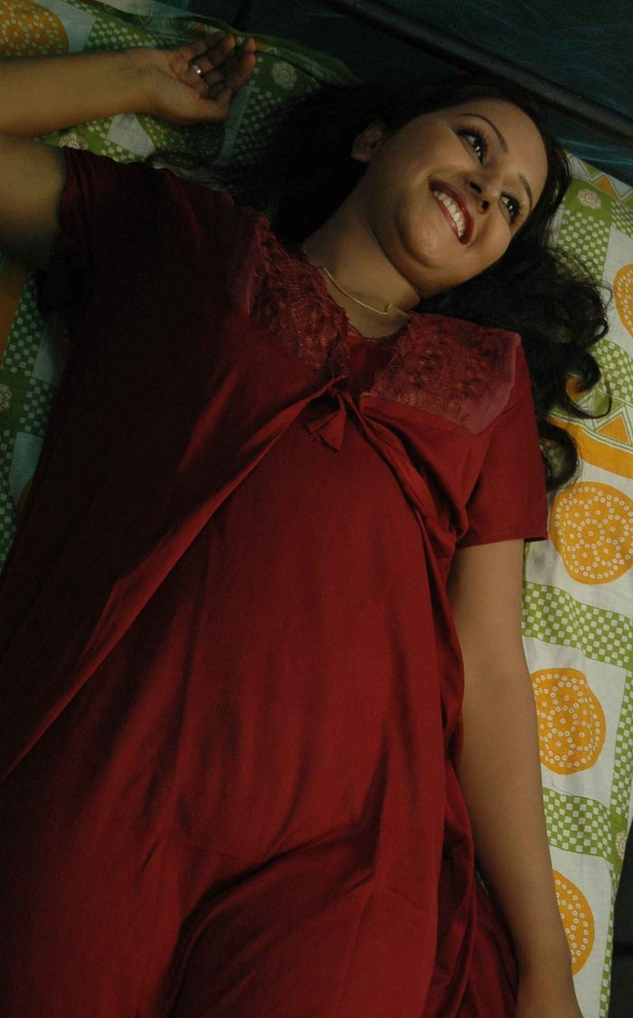Archana sharma latest hot bath scene cinestars4u - Archana wallpaper ...