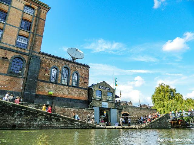 Camden Lock, eclusa do Regent's Canal em Camden Town, Londres