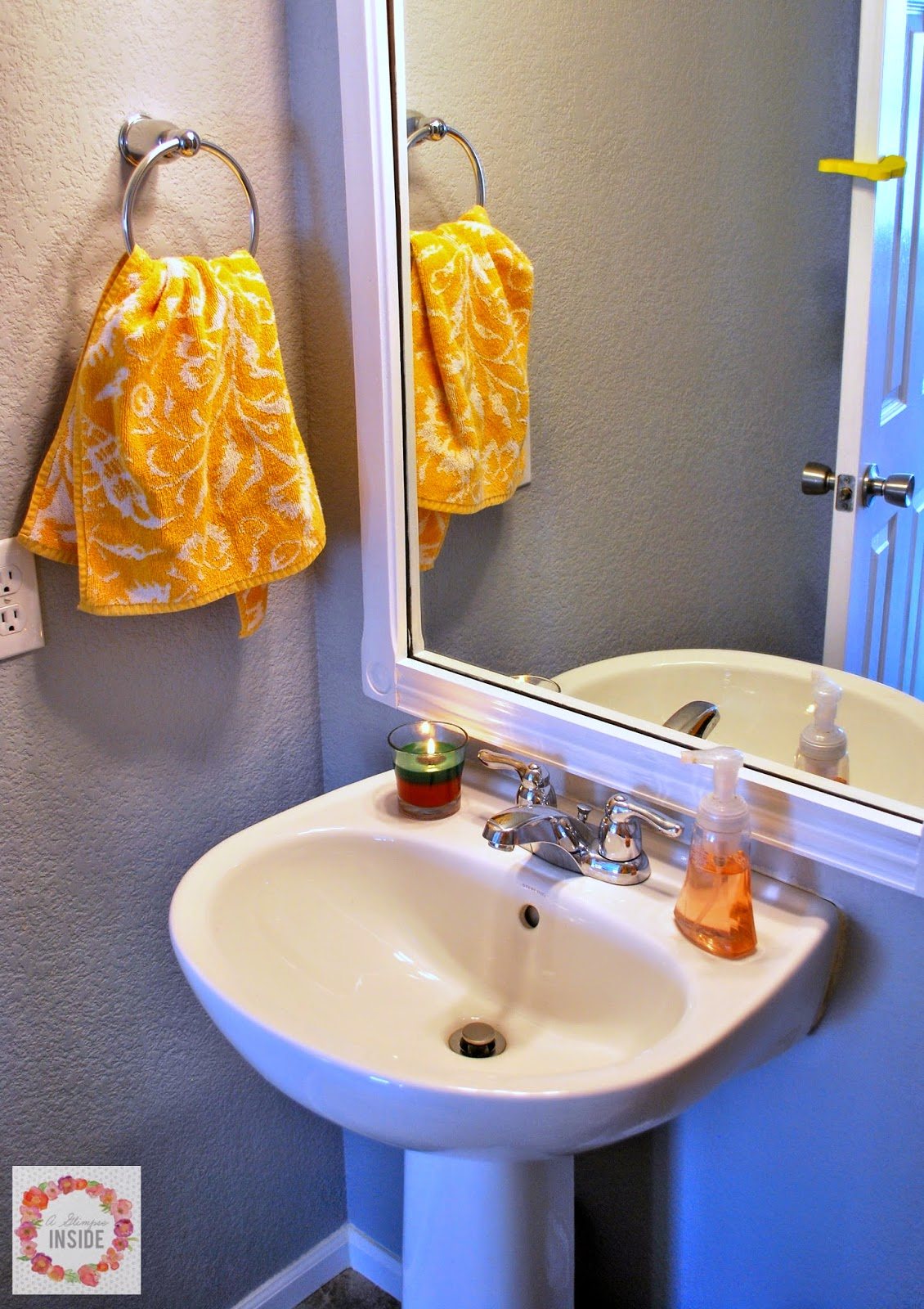 Ways To Ensure Your House SmellsClean For Holiday Guests A - How to make the bathroom smell good