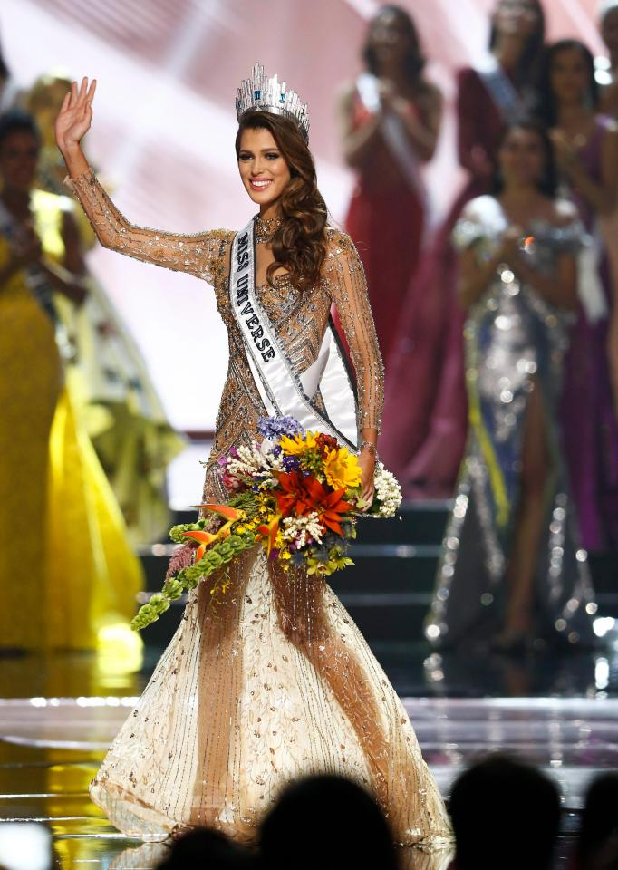 Miss france iris mittenaere crowned the miss universe - Miss univers iris mittenaere ...
