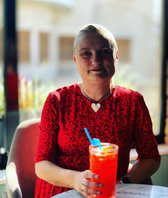 madmumof7 restaurant review - pictured with home made strawberry lemonade