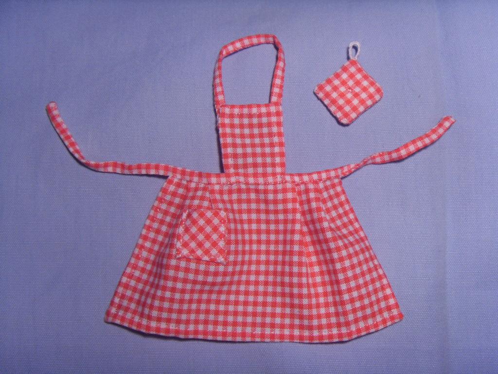 Grembiule Da Cucina Per Bambini Fai Da Te.Cartamodello Grembiule Da Cucina Bambina Il Sorriso Dei Miei