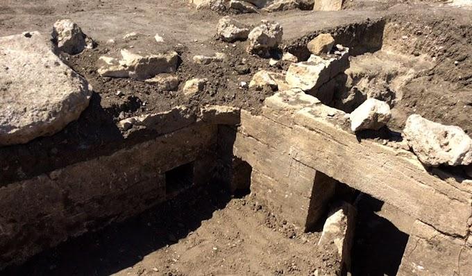 Αρχαίος ελληνικός τάφος με ανάγλυφο τον ήρωα Ηρακλή ανακαλύφθηκε στην Ταυρίδα (Κριμέα)