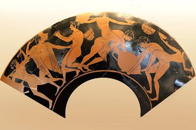 faune,satyre,céramique grecque,éphèbe nu,procession,dionysos,bacchanales