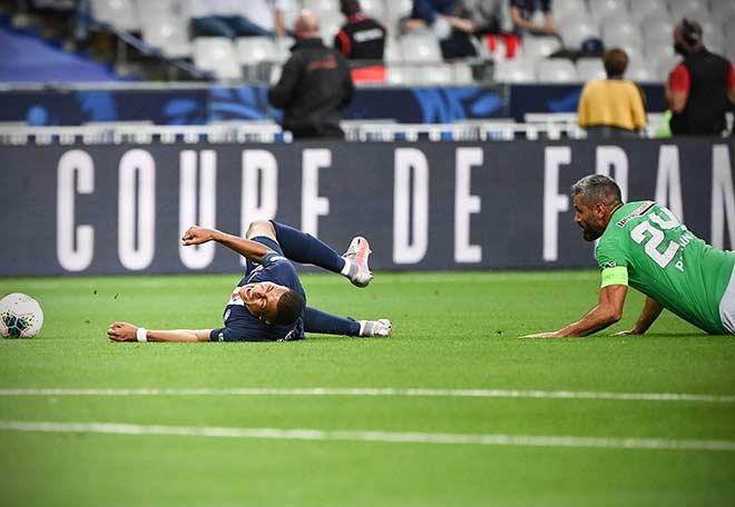Video PSG 1-0 St. Etienne: Ẩu đả dữ dội vì Mbappe, bước ngoặt phút 14 2