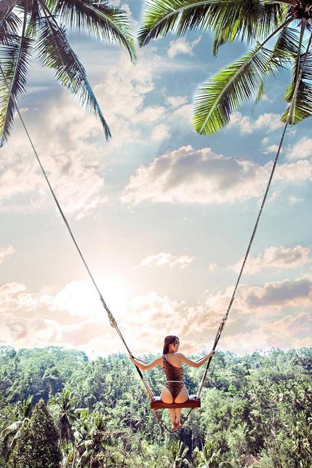 Ảnh bikini sexy của Ngọc Trinh khi đi du lịch ở Bali 1
