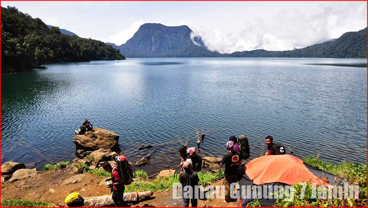 Foto Danau Gunung 7 Jambi