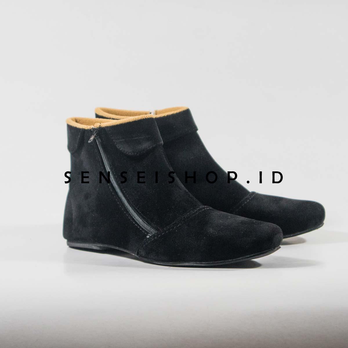Sepatu Wanita Terbaru Murah 2018 Flat Karet Suede Boots Korean Style Hitam