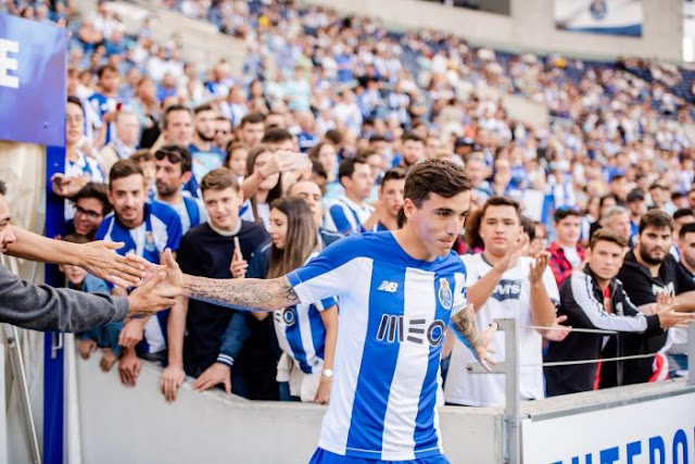 Jogador está sem espaço no Porto (Foto: Divulgação)