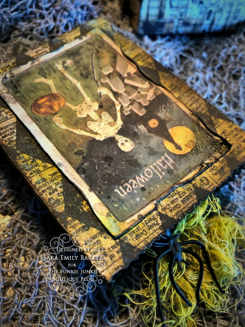 Sara  Emily Barker https://sarascloset1.blogspot.com/2019/09/halloween-treat-bags-for-funkie-junkie.html Tim Holtz Halloween Treat Bags  5