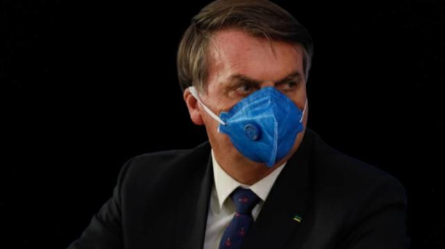 Coronavírus pegou Bolsonaro. E agora, ele acredita na Covid?