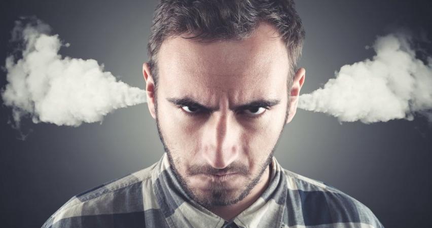 """""""Öfkeli insan beynini devre dışı bırakıyor"""""""