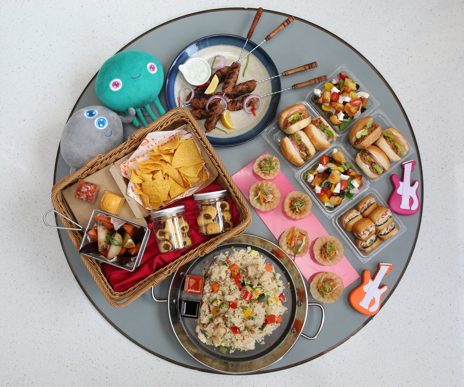 aloft kls: superdads fly high with father's week feast, 20–28 june 2020