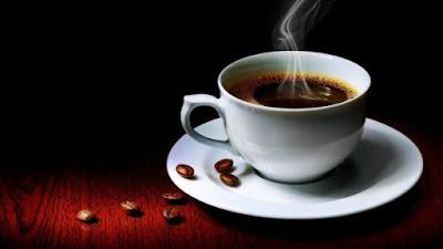 تحذيرات من شرب القهوة في هذه الأوقات