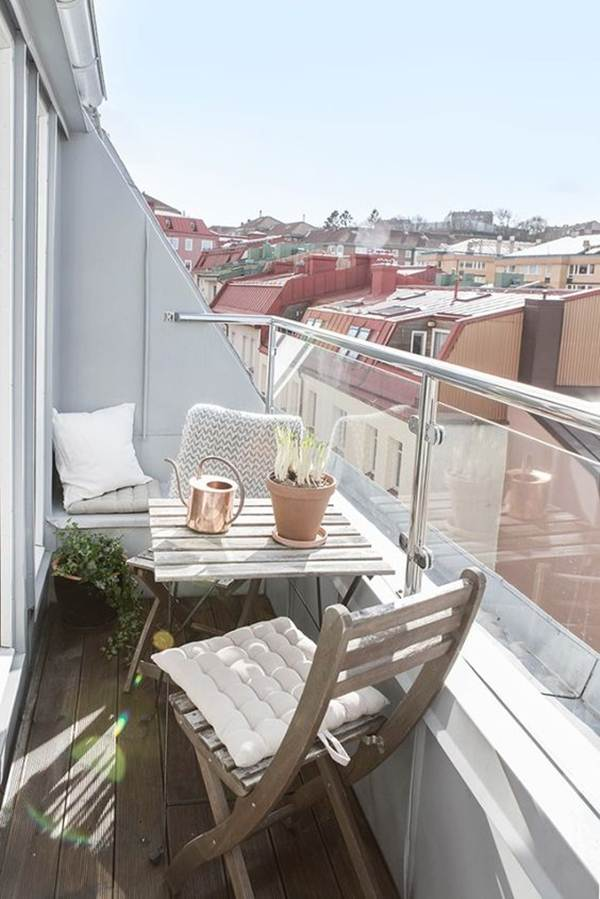 Ideas For Taking Advantage of Space in Small Balconies 9