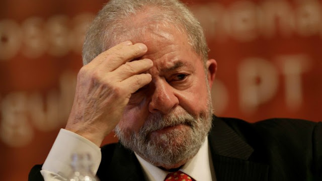 Lula no se entrega a la Justicia en el plazo previsto en auto de prisión