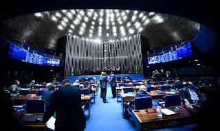 PEC emergencial cria cláusula de calamidade para pagar auxílio em 2021