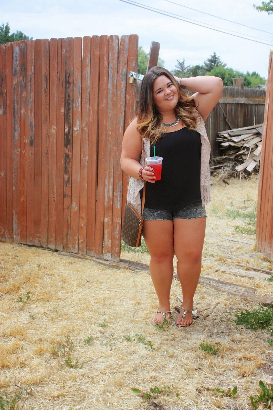 natalie craig, natalie in the city, country style, abandoned house, spikes, BKE, Buckle, Daytrip, Forever 21 plus size, plus size fashion blogger, style, OOTD, nose ring, shorts, fringe, tribal, bling, starbucks, passion tea, Louis Vuitton, mix and match jewelry, ombre, curly hair