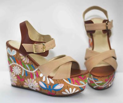 Zapatos de plataforma de madera