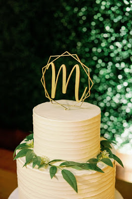 wedding cake gold topper