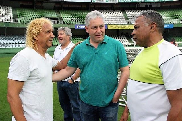 Craques do passado jogam em Curitiba com a participação do secretário Douglas Fabrício