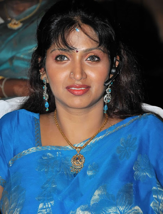 puvaneswari in saree actress pics