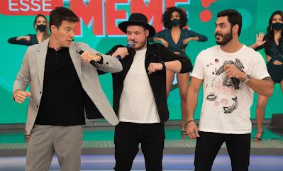 Rodrigo Faro e Israel & Rodolffo dançando. Crédito: Antonio Chahestian/Record TV