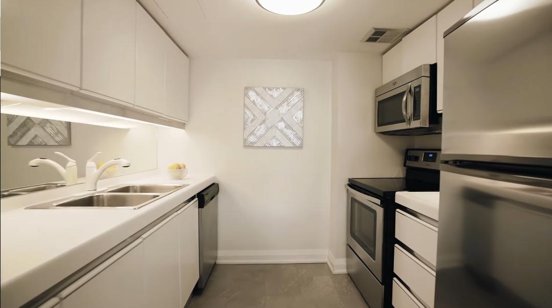 9 Interior Design Photos vs. 63 St Clair Ave W #301, Toronto Condo Tour