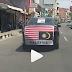 Balas Dendam, Warga Solo Ini Keliling Kota dengan Bendera Malaysia Terbalik!